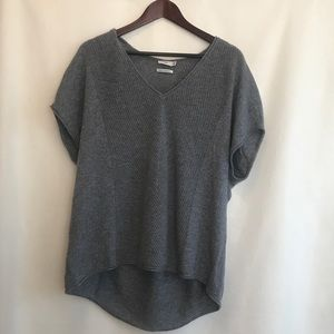 Vince soft gray 100% cashmere sweater A241
